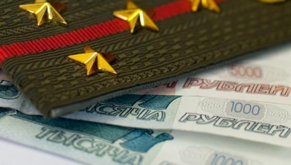 Военным, пожарным и силовикам поднимают пенсии