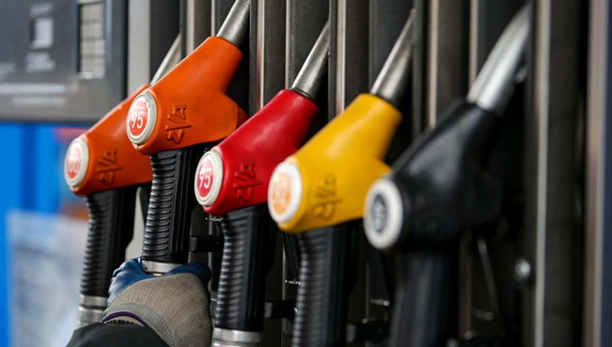 В России могут ввести временный запрет на экспорт бензина
