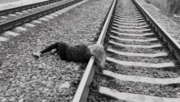 В Подмосковье поезд насмерть сбил девочку