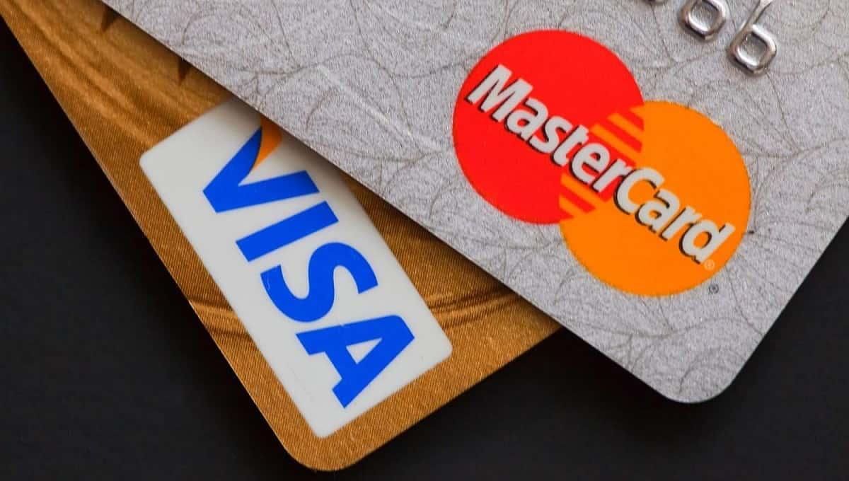 Россию могут отключить от систем Visa и MasterCard
