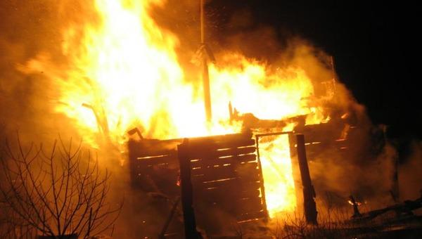 В Гавшино сгорела баня