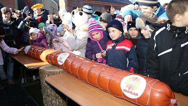 В Подмосковье изготовили самую длинную в стране колбасу