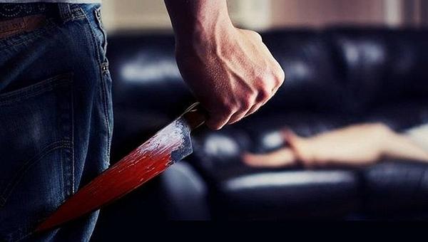 Рецидивист зарезал невестку и скрылся с ножом и арбалетом в Подмосковье