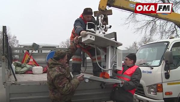 В здании МедПрестижа в Серпухове описывают и вывозят медицинское оборудование