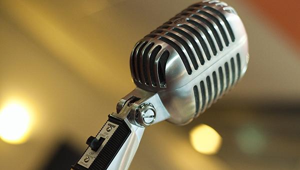 В Серпухове пройдет полуфинал юмористического турнира «Открытый микрофон»