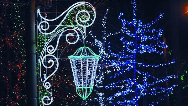 Фасады в Серпуховском районе тоже станут новогодними