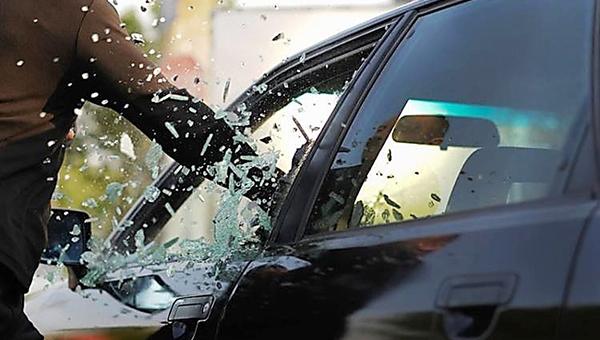 Серпухович разбил машину жены