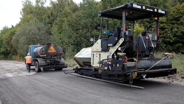 Дорожники взялись за ремонт дороги до Новиков