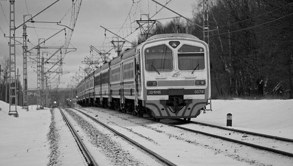 Электричка из Серпухова лишила жизни мужчину