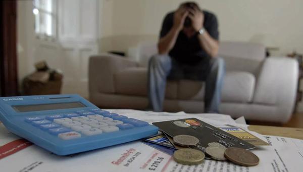Росстат назвал размер среднего долга работающего россиянина перед банками – 199 000 рублей