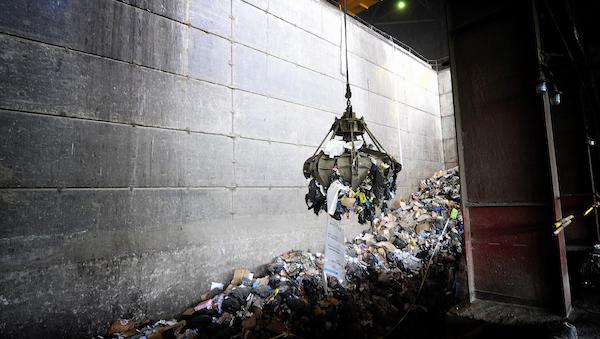 Столичный мусор будут сжигать в Подмосковье