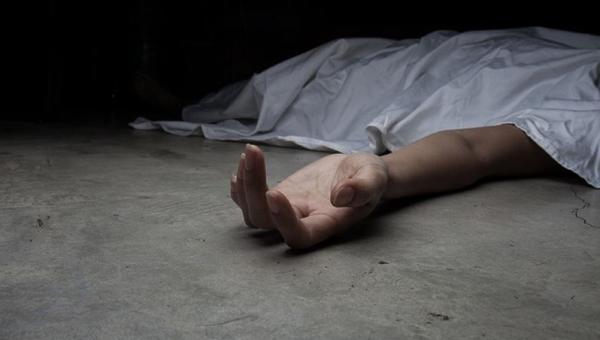 В Подмосковье нашли тело молодой женщины с ремнем на шее