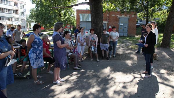 Юлия Шестун начала встречи с жителями