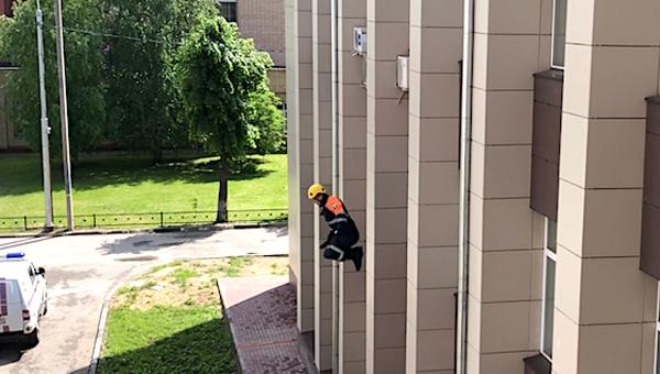 Из окна мэрии Серпухова выпрыгнул человек