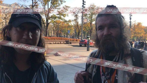 Бомжам удалось пробраться на неделю моды в Москве под видом родственников именитых гостей