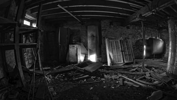 В Подмосковье в заброшенной бытовке нашли труп молодой женщины