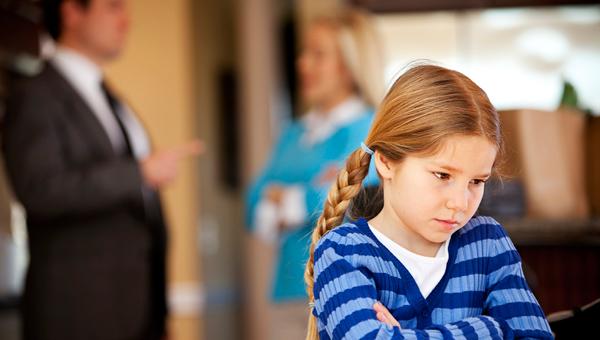 Семьи с детьми смогут разводиться через ЗАГС, минуя суд