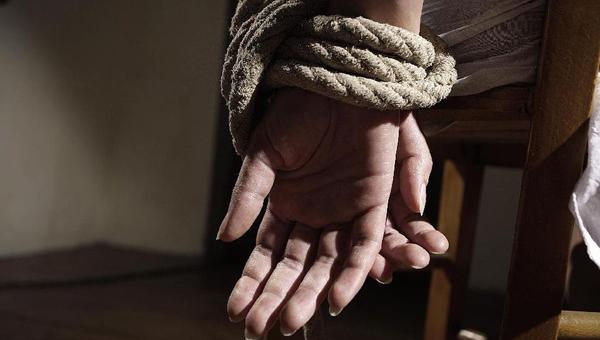 Мужчины в рабстве у женщин в сексе