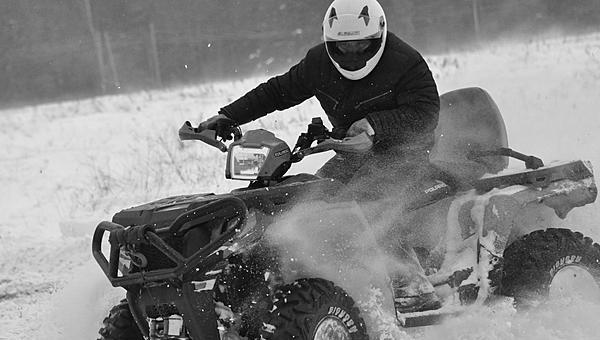 В Подмосковье мужчина на квадроцикле погиб в ДТП с каретой «Скорой»