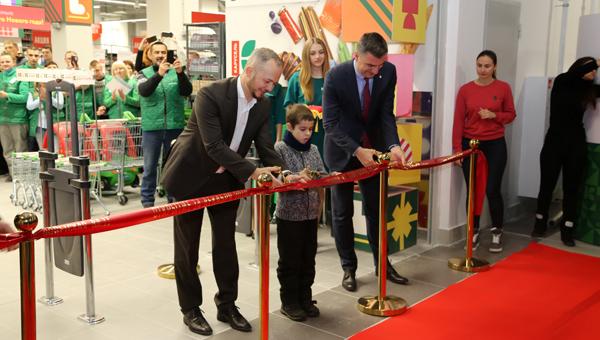 В Серпухове открылся первый гипермаркет «Карусель» 738e3d7196c