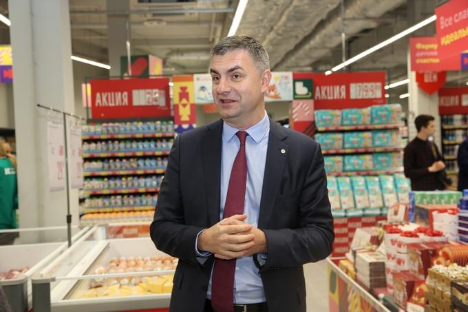 На текущий момент это самая современная концепция гипермаркета «Карусель»,  которая есть в России, - не без гордости подчеркнул Максим Леонидович. -  Самое ... 71b1142bd86