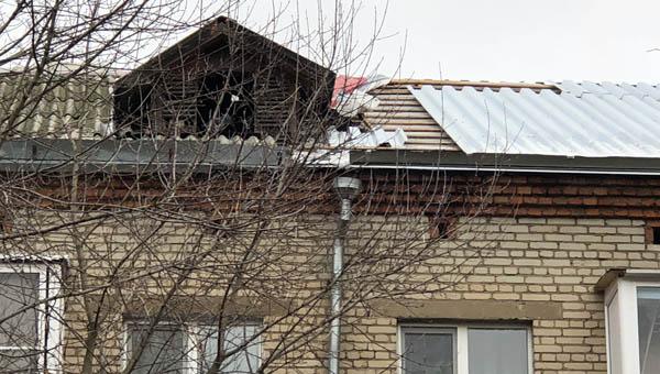 Дом себе крышу просит