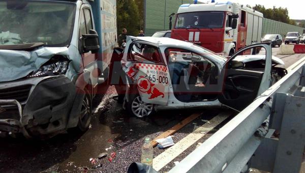 Один человек погиб, и еще один пострадал в ДТП в Серпуховском районе