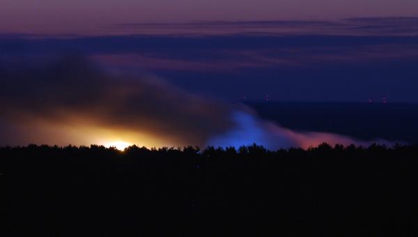 Мусорный полигон «Непейно» в Московской области второй день объят дымом