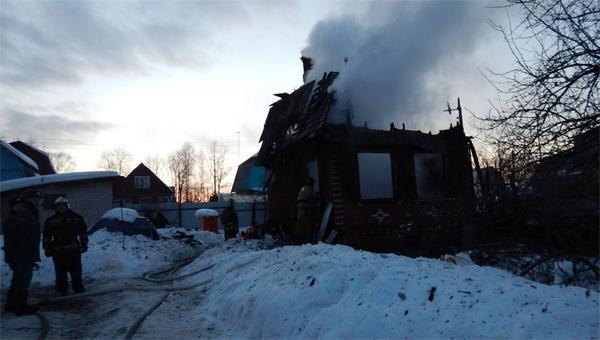 ВПодмосковье впожаре в личном доме умер ребенок
