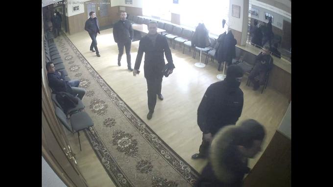 Серпуховской район: маски-шоу и прямые выборы