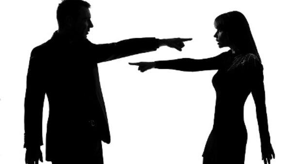 Баррикады на семейном фронте: женщин по-прежнему бьют, но они иногда дают сдачи