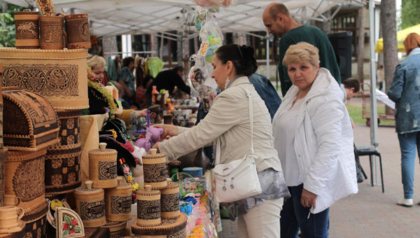Блошиный рынок в Парке Дракино приглашает на выставку-ярмарку