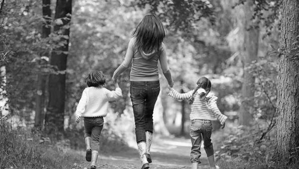 Лишенная родительских прав мать с помощью дымовой шашки похитила своих детей