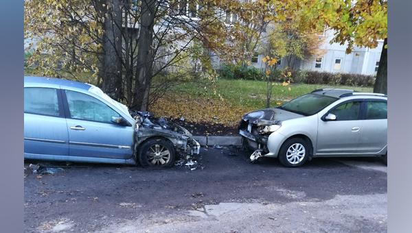В наукограде Протвино ночью сгорели две машины