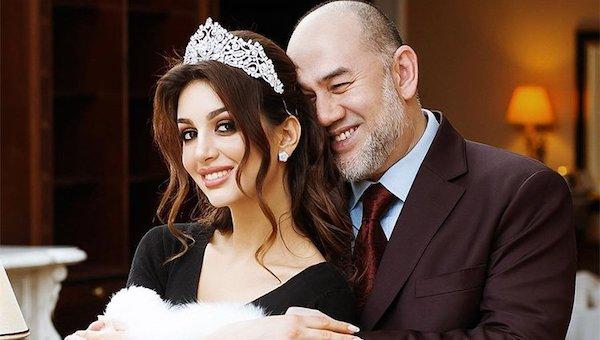 Королева красоты Москвы развелась с экс-королем Малайзии