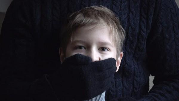В Калуге неизвестный попытался похитить мальчика возле школы