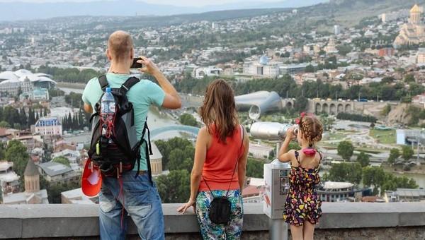 Туристы из Серпухова не хотят возвращаться из Грузии раньше срока