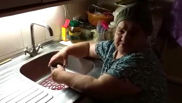 В пригороде Серпухова люди напуганы черной водой из кранов