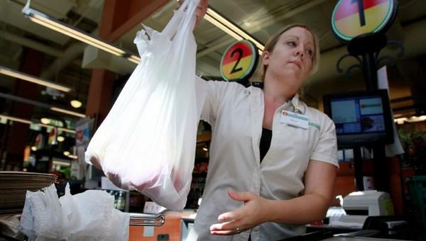 Покупатели, которые не берут на кассе пакет, получат скидку?