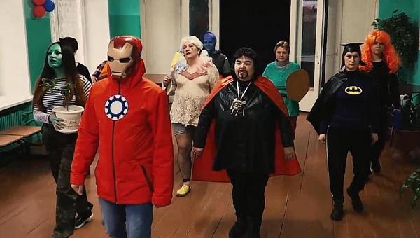 Учителя снялись в клипе в образах героев вселенной Marvel