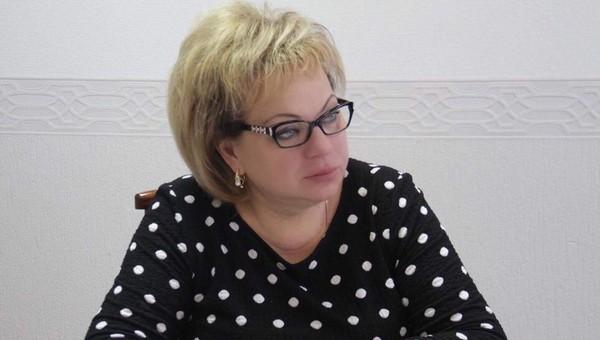 Главу Чехова Марину Кононову задержали после обыска в особняке