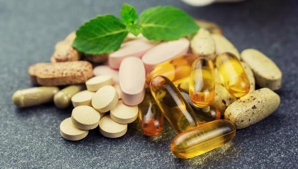 Врачи предупреждают: бесконтрольное употребление витаминов может быть очень опасно