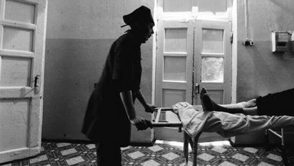 Умирающий пациент десять часов ждал врача в палате. Но тот не смог поставить верный диагноз