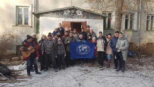 Серпуховичи провели субботник в усадьбе Соллогубов