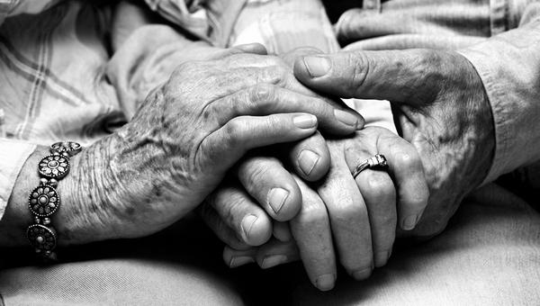 Супруги-пенсионеры погибли при загадочных обстоятельствах