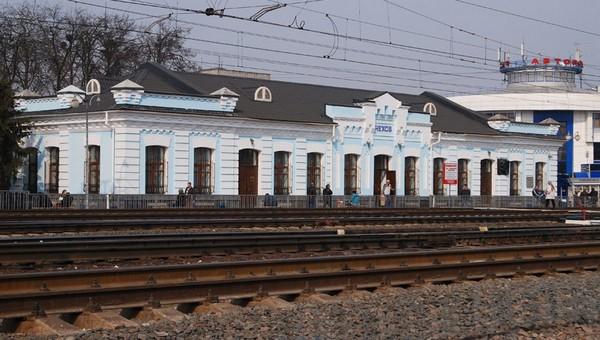 В Чехове мужчина упал под поезд