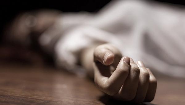 В квартире нашли обнаженную задушенную девушку