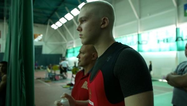Юноша из Подмосковья поставил мировой рекорд по жиму штанги лежа