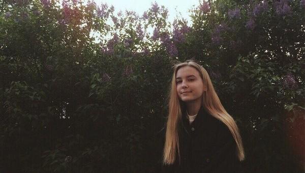 Девочка хотела красивое фото, но сорвалась с крыши