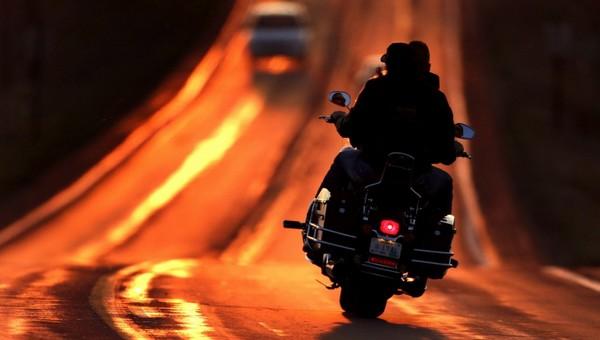 В Подмосковье водитель и пассажир скутера погибли в аварии